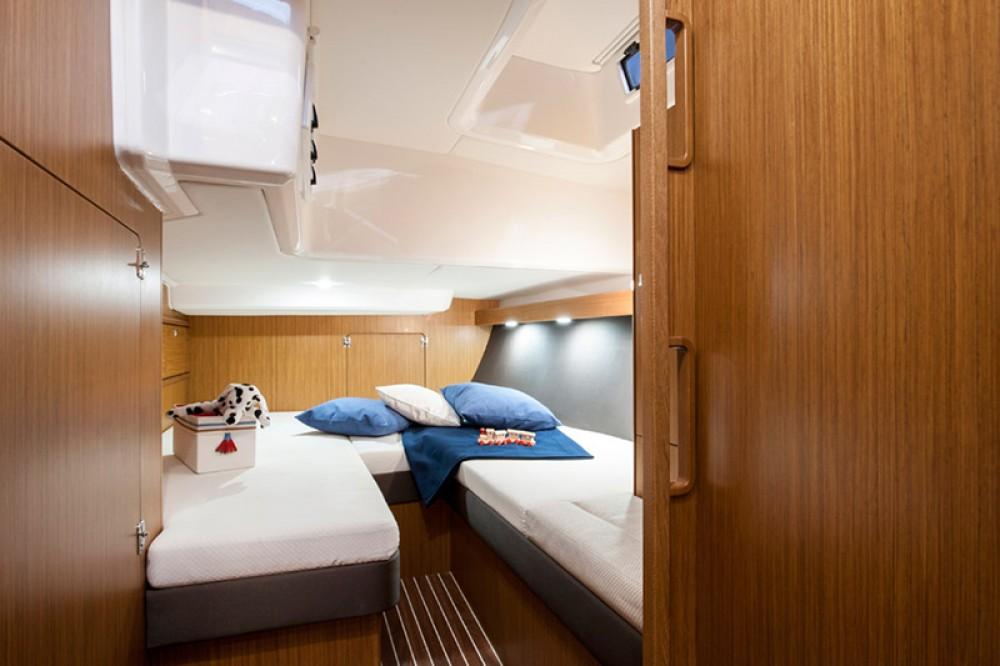 Boat rental  cheap Cruiser 56