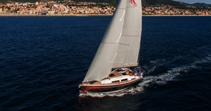 Boat rental Hanse Hanse 388 in Biograd na Moru on Samboat