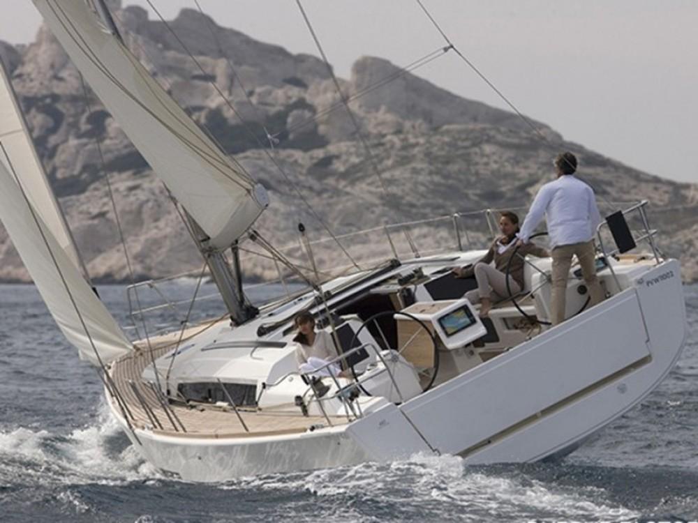 Rental Sailboat in Marina Šangulin - Dufour Dufour 412 GL