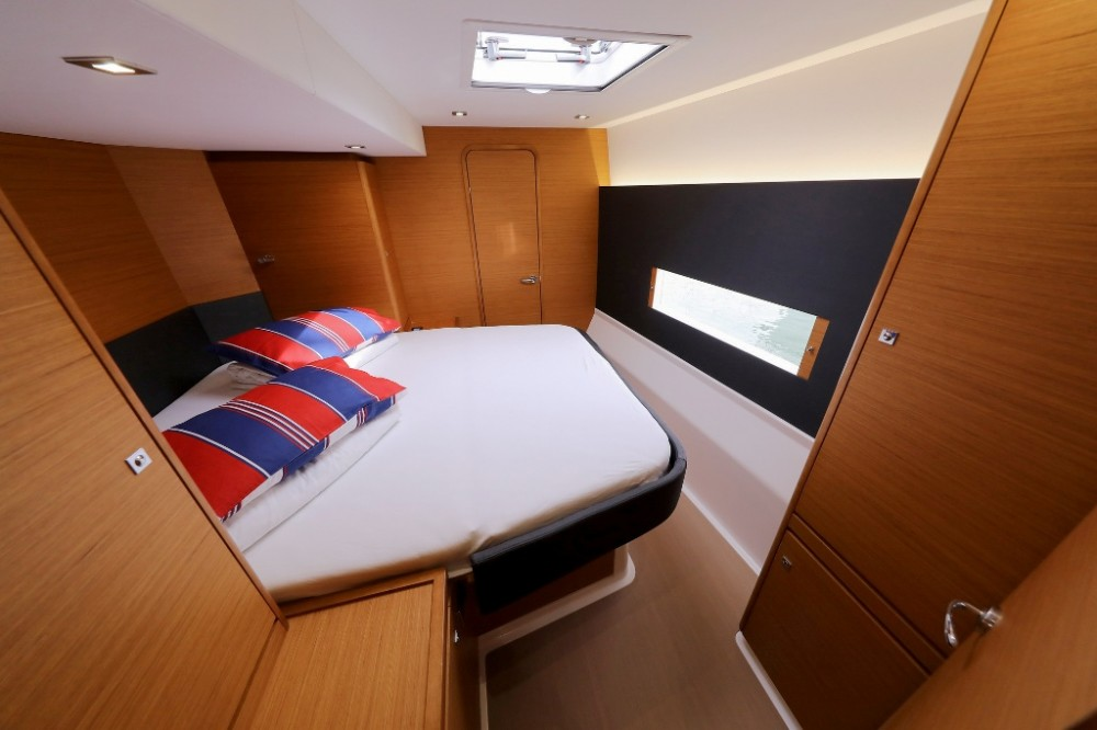 Hire Catamaran with or without skipper Dufour Šibenik