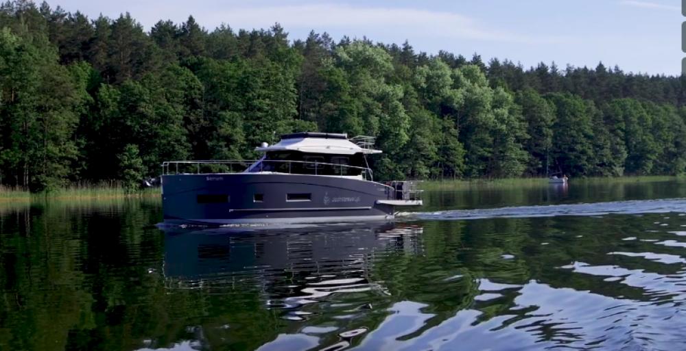 Rental yacht Općina Sukošan - Cobra Yachts Futura 40 Grand Horizon on SamBoat
