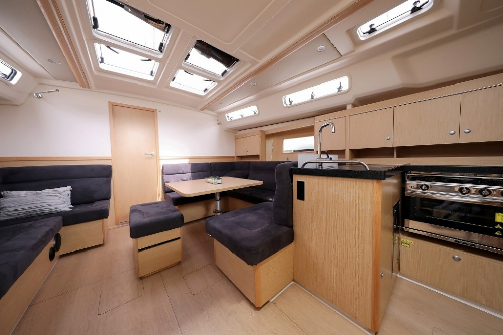 Sailboat for rent Marina Šangulin at the best price