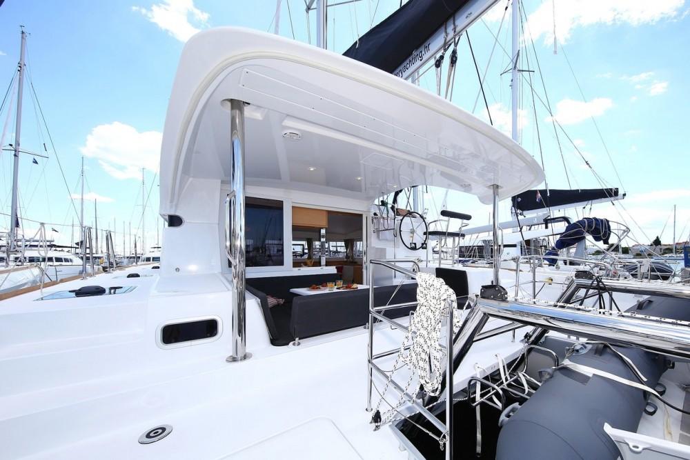 Rental yacht Marina Šangulin - Lagoon Lagoon 39 - 4 + 2 cab. on SamBoat