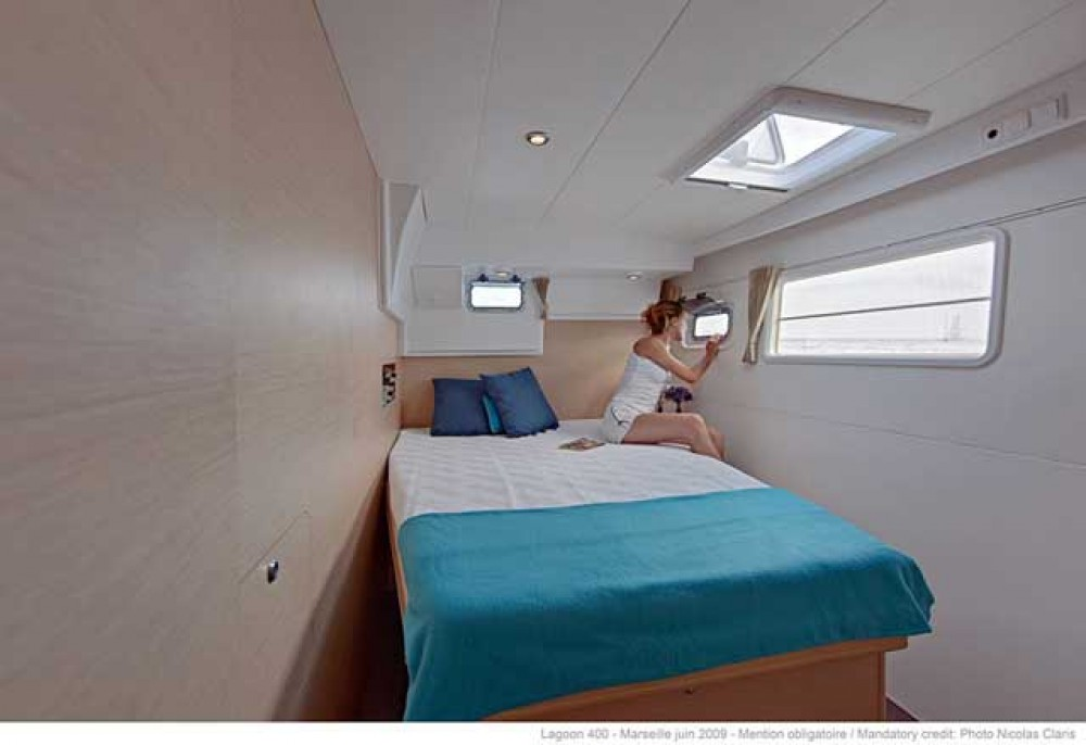 Boat rental  cheap Lagoon 400