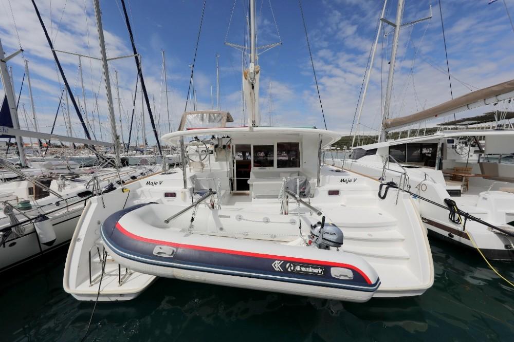Rental Catamaran in Općina Sukošan - Lagoon Lagoon 400 S2