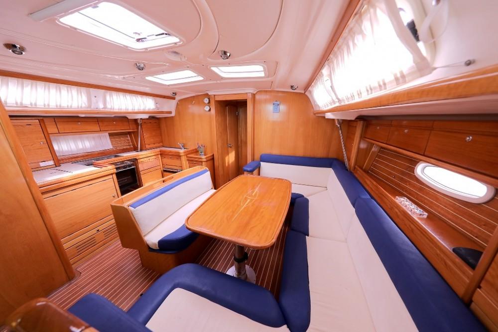 Rental yacht  - Bavaria Cruiser 46 on SamBoat