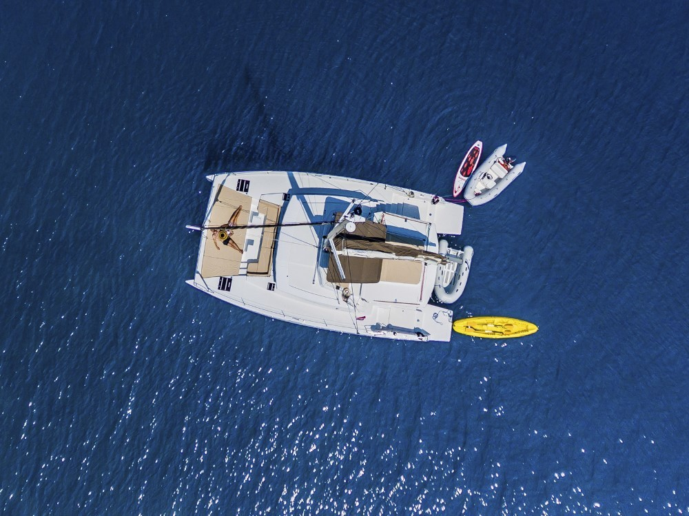 Boat rental Croatia cheap Bali 4.3 - 4 + 2 cab.