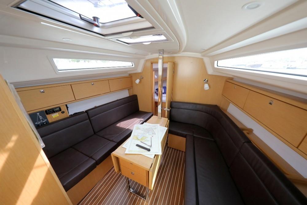 Boat rental Šibenik cheap Cruiser 34