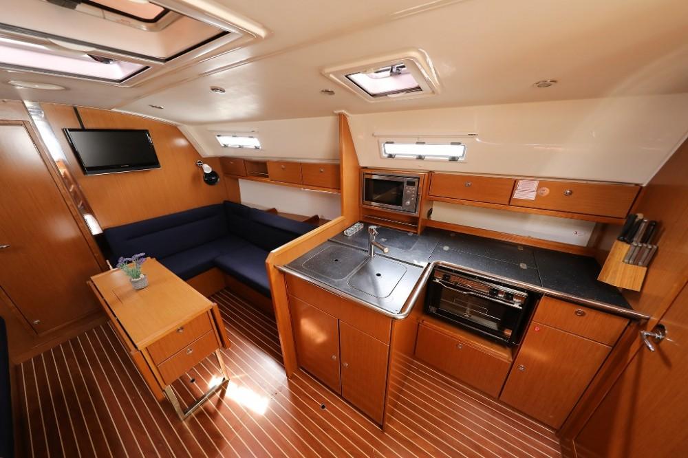 Bavaria Cruiser 36 between personal and professional Šibenik