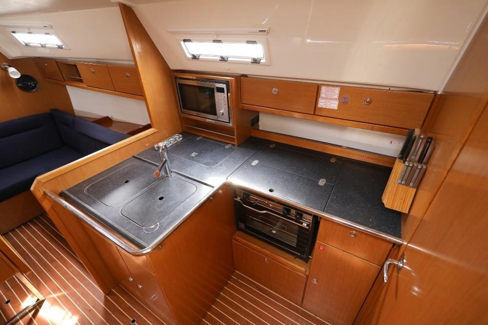 Rent a Bavaria Cruiser 36 Šibenik