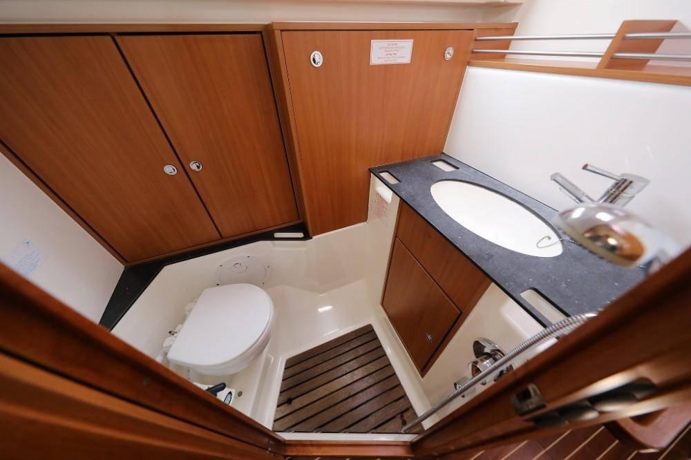 Rental Sailboat in Šibenik - Bavaria Cruiser 36