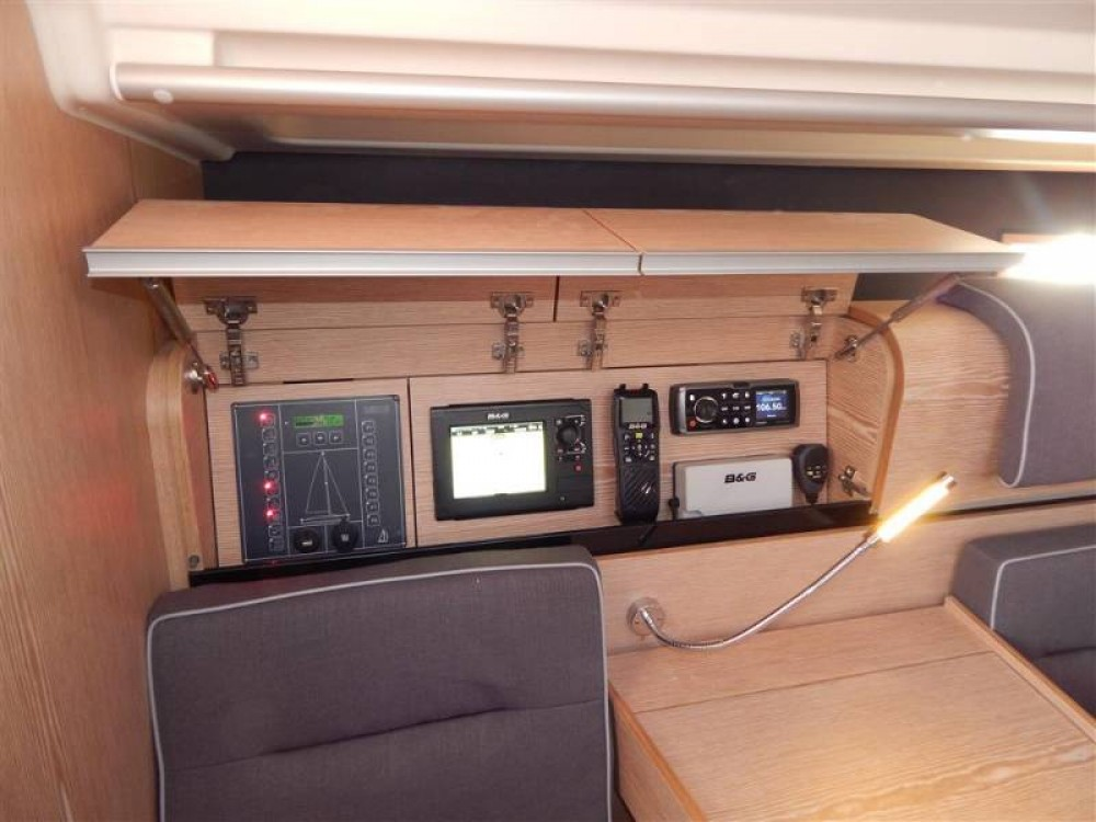 Rental yacht Croatia - Dehler Dehler 38 on SamBoat