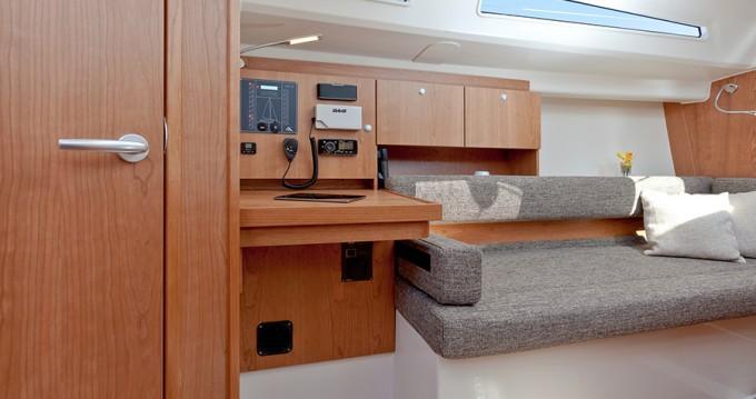 Boat rental Hanse Hanse 315 in Croatia on Samboat
