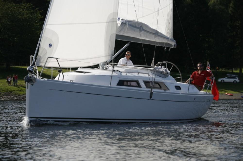 Boat rental Hanse Hanse 325 in Croatia on Samboat