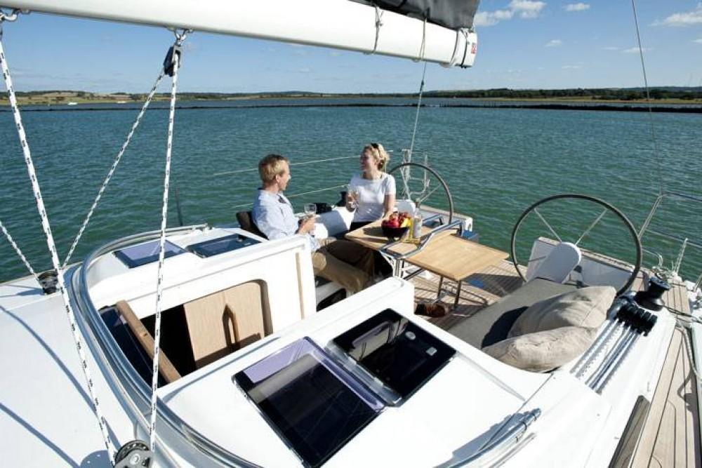 Rental yacht Croatia - Hanse Hanse 345 on SamBoat
