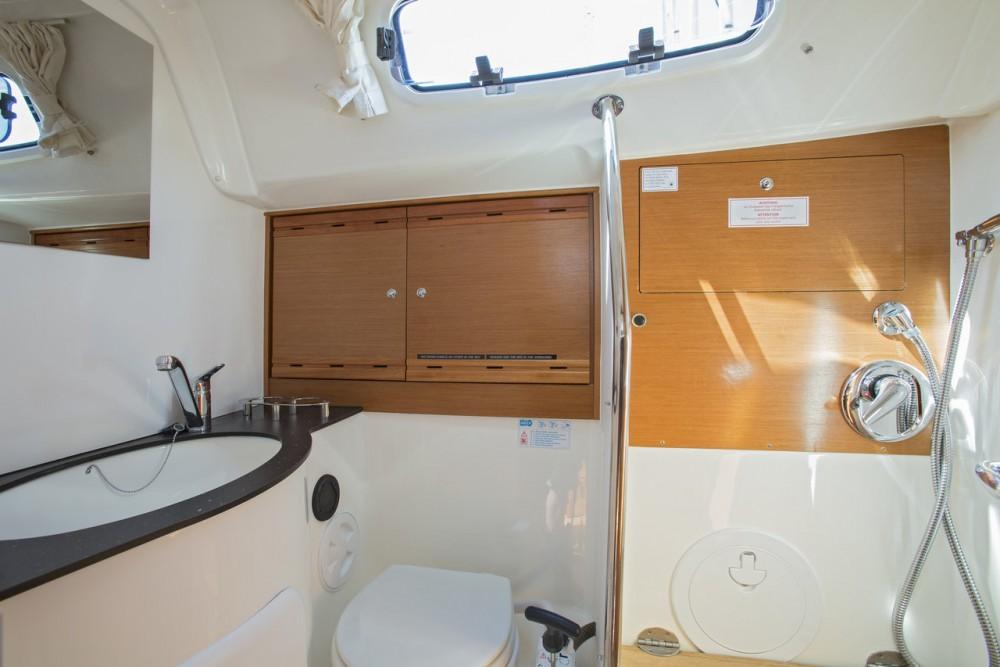 Rental Sailboat in Sweden - Bavaria R40