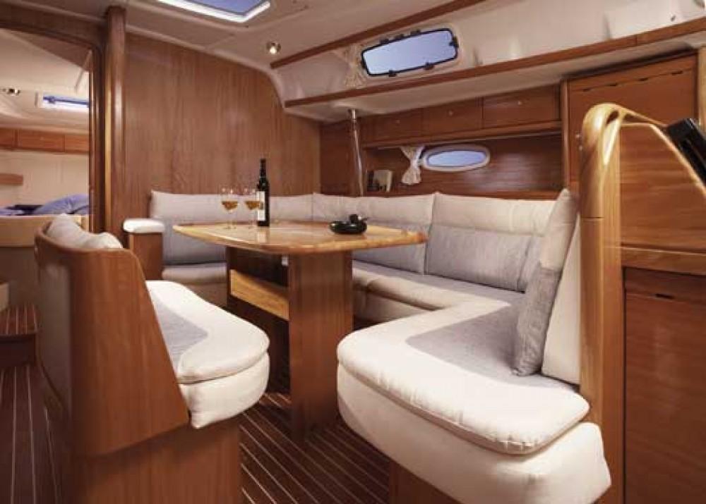 Rent a Bavaria Cruiser 42 Grad Zadar