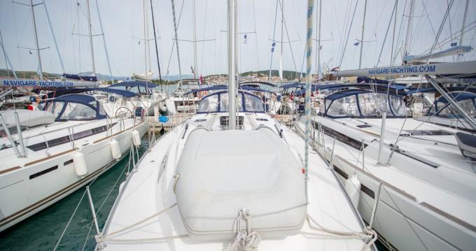 Boat rental Bavaria Cruiser 46 in Palma de Mallorca on Samboat