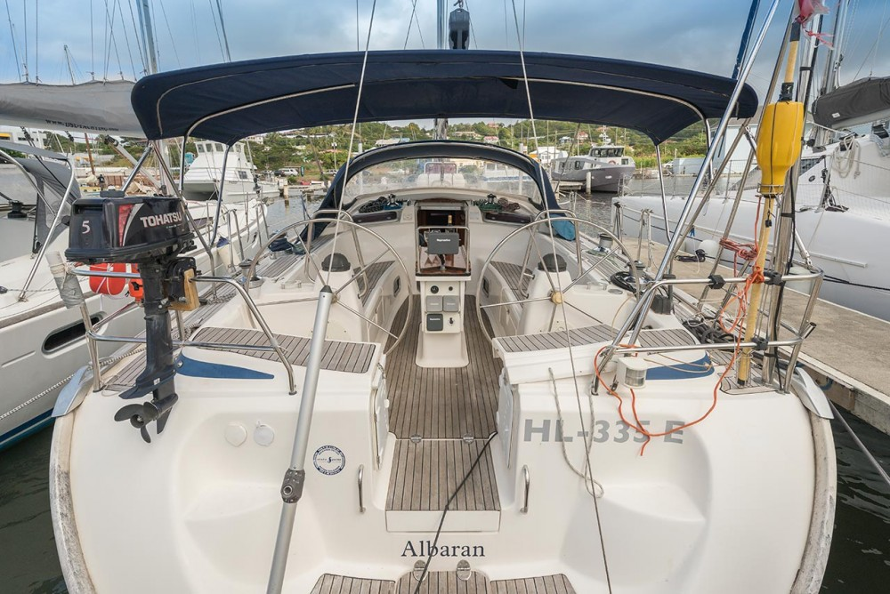 Sailboat for rent Bois D'orange at the best price
