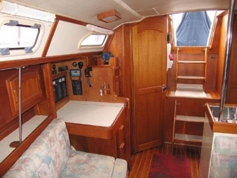 Rental Sailboat Ericson Yachts with a permit