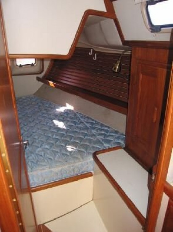 Hire Sailboat with or without skipper Ericson Yachts New England
