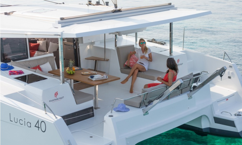 Rent a Fountaine Pajot Fountaine Pajot Lucia 40 - 3 cab. Tortola