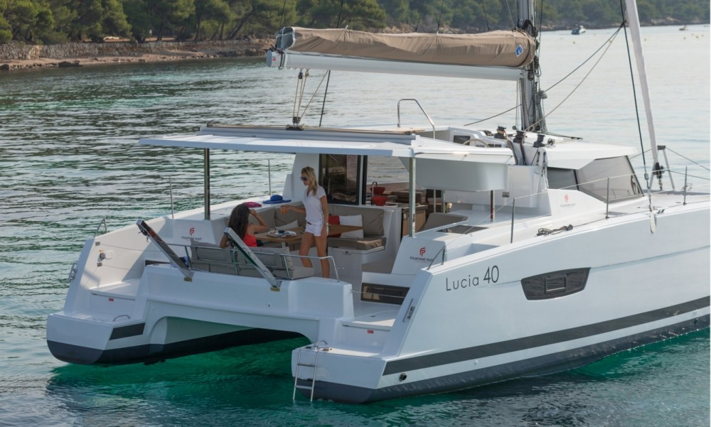 Boat rental Tortola cheap Fountaine Pajot Lucia 40