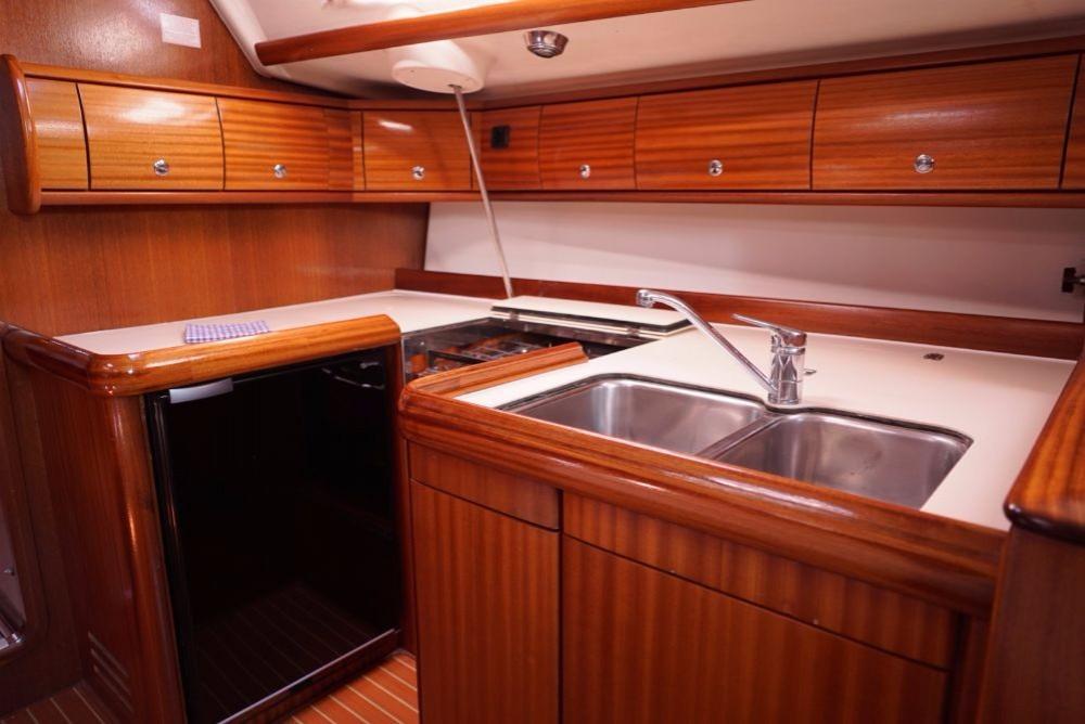 Boat rental Split cheap Bavaria 49