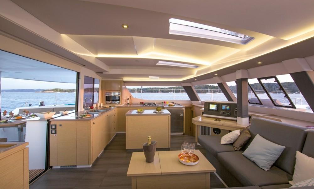 Rental Catamaran in Tortola - Fountaine Pajot Fountaine Pajot Saba 50 - 6 + 2 cab.