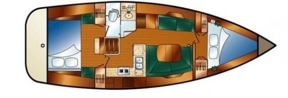 Boat rental Hunter-Marine Hunter 38 in New England on Samboat