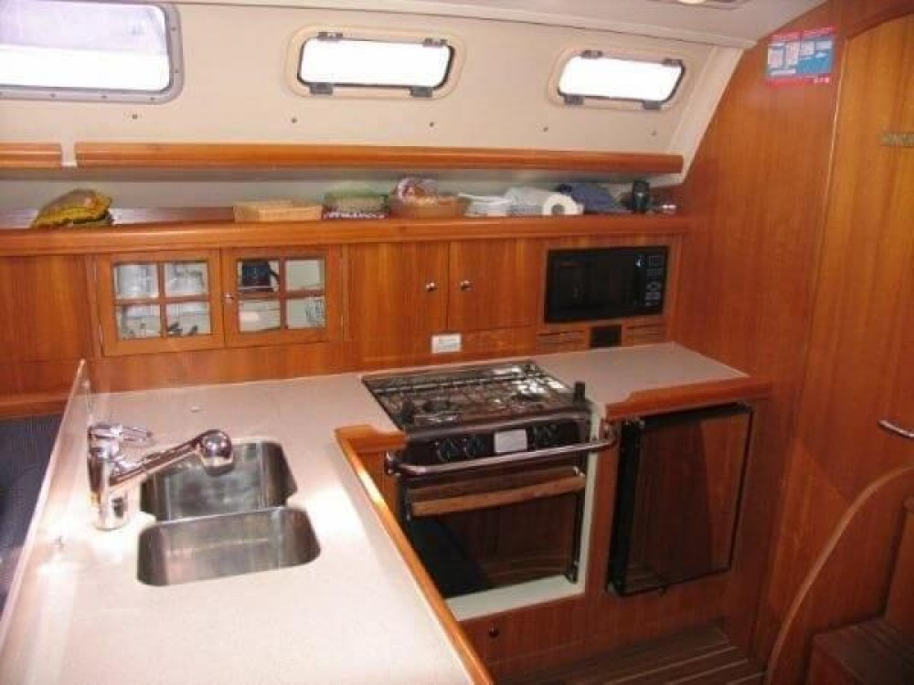 Hire Sailboat with or without skipper Hunter-Marine New England