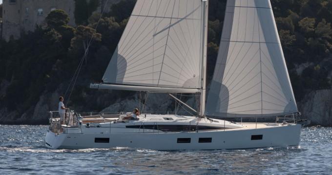 Boat rental Newport cheap Jeanneau 51