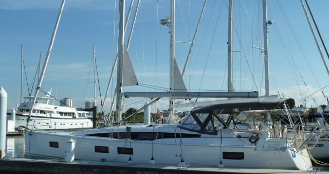 Hire Sailboat with or without skipper Jeanneau Newport