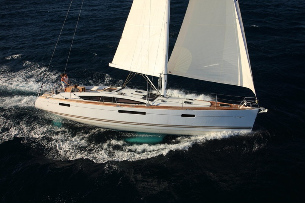 Hire Sailboat with or without skipper Jeanneau Göcek