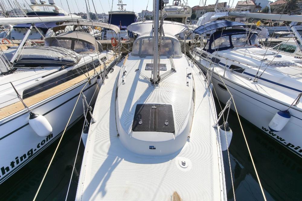 Boat rental Jezera cheap Cruiser 32