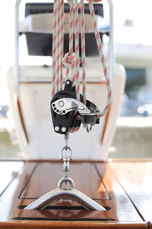 Rent a Bavaria Cruiser 32 Jezera