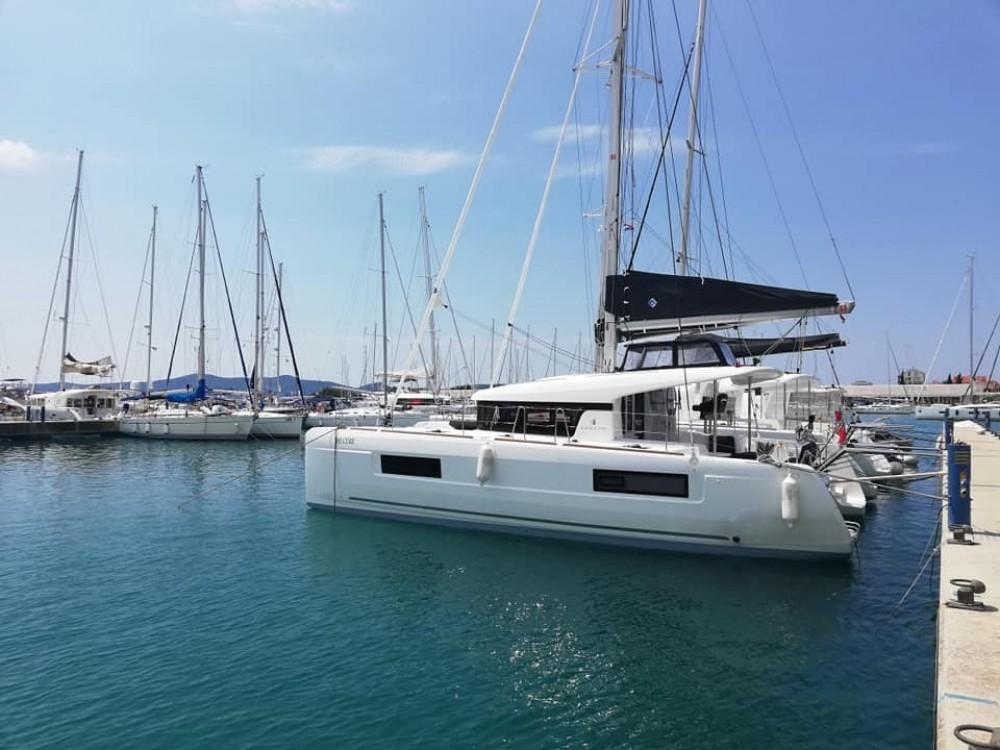 Rental Catamaran in Tortola - Lagoon Lagoon 40 - 3 + 2 cab