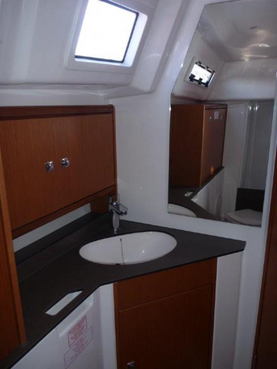 Boat rental Šibenik cheap Cruiser 33