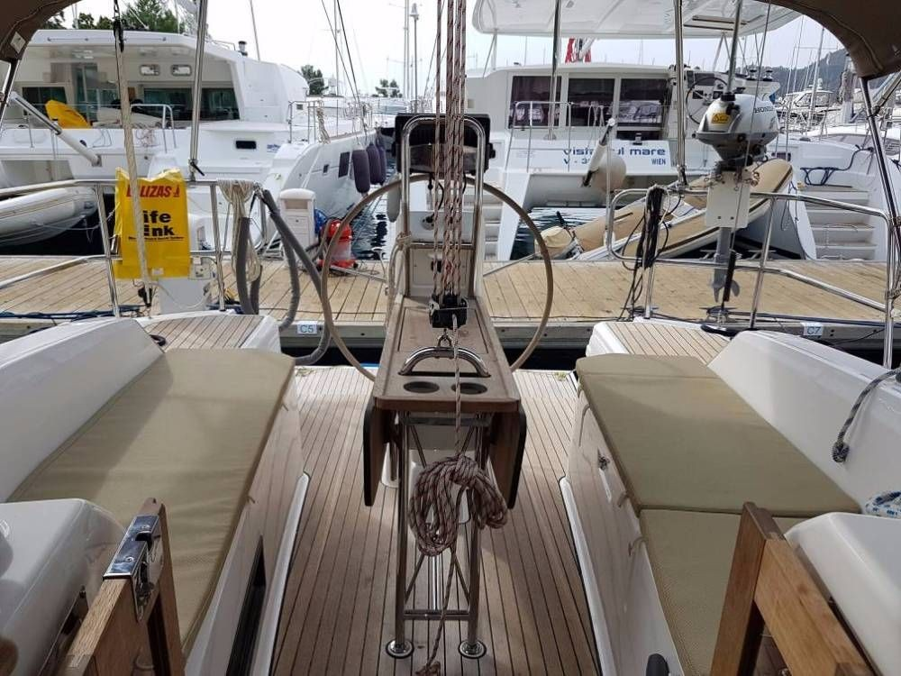 Boat rental Bavaria Cruiser 33 in Göcek on Samboat