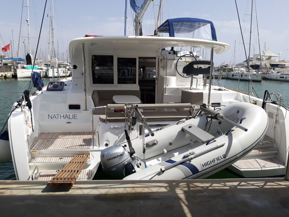 Boat rental Lagoon Lagoon 40 - 4 + 2 cab  in Balearic Islands on Samboat