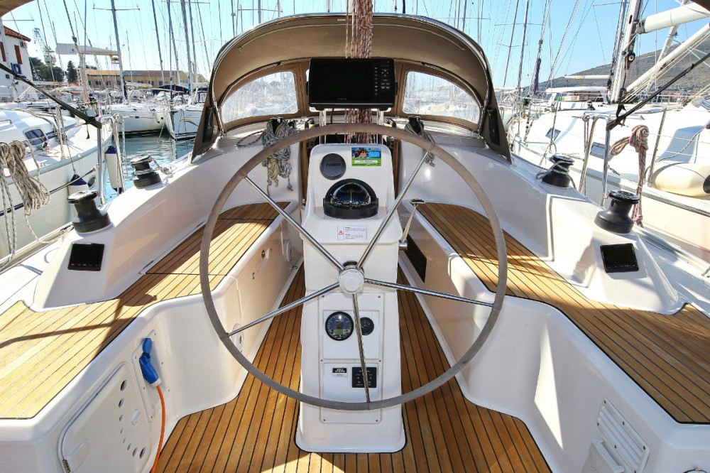 Bavaria Cruiser 33 between personal and professional Trogir