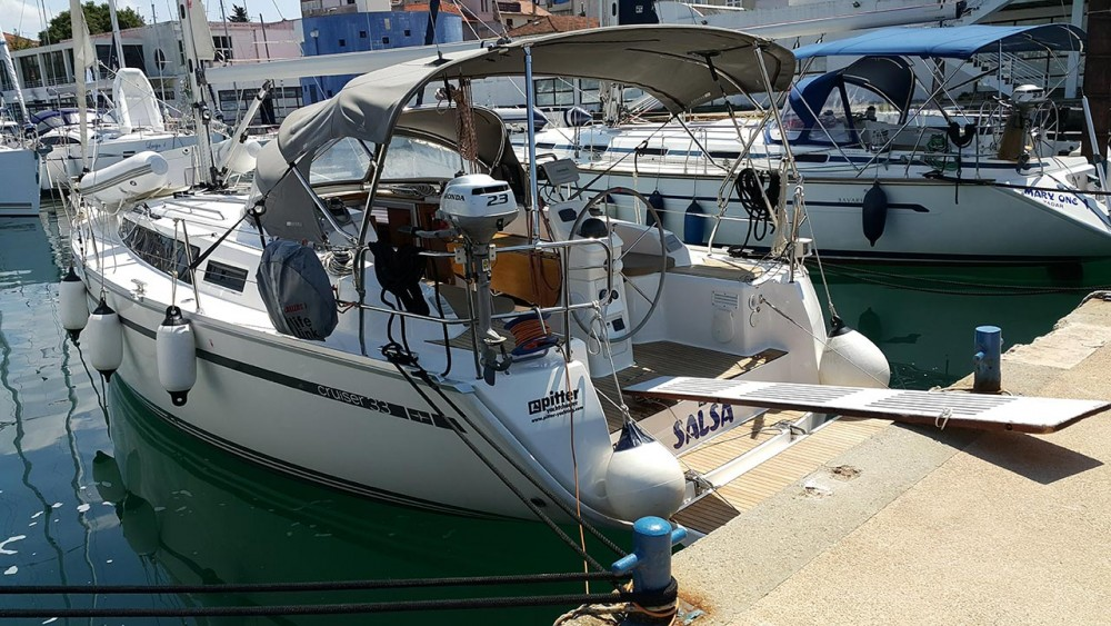 Rent a Bavaria Cruiser 33 Zadar
