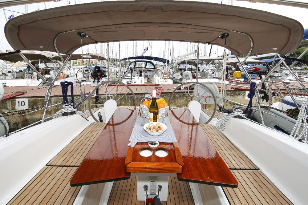 Boat rental Bavaria Cruiser 34 in Trogir on Samboat