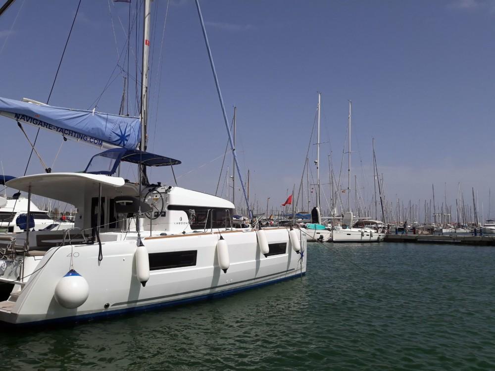 Rent a Lagoon Lagoon 40 - 4 + 2 cab  Isole Baleari