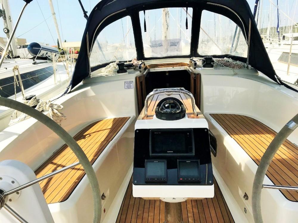Boat rental Općina Sukošan cheap Cruiser 34