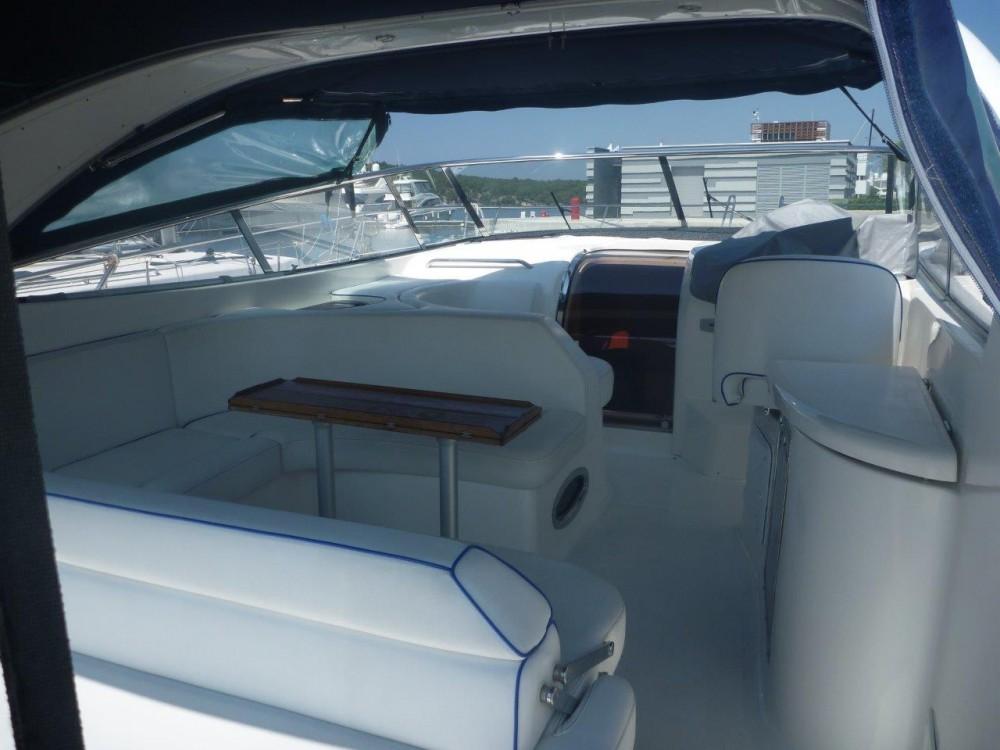 Boat rental Bavaria BMB 37 S in  on Samboat