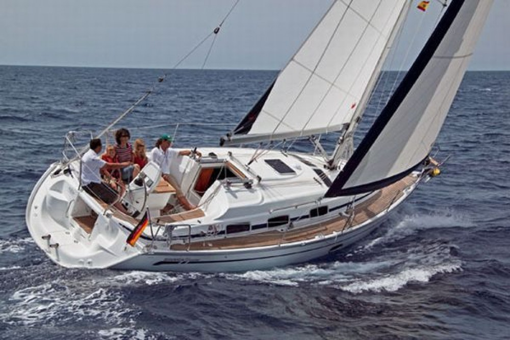 Bavaria Cruiser 33 between personal and professional Peloponnese