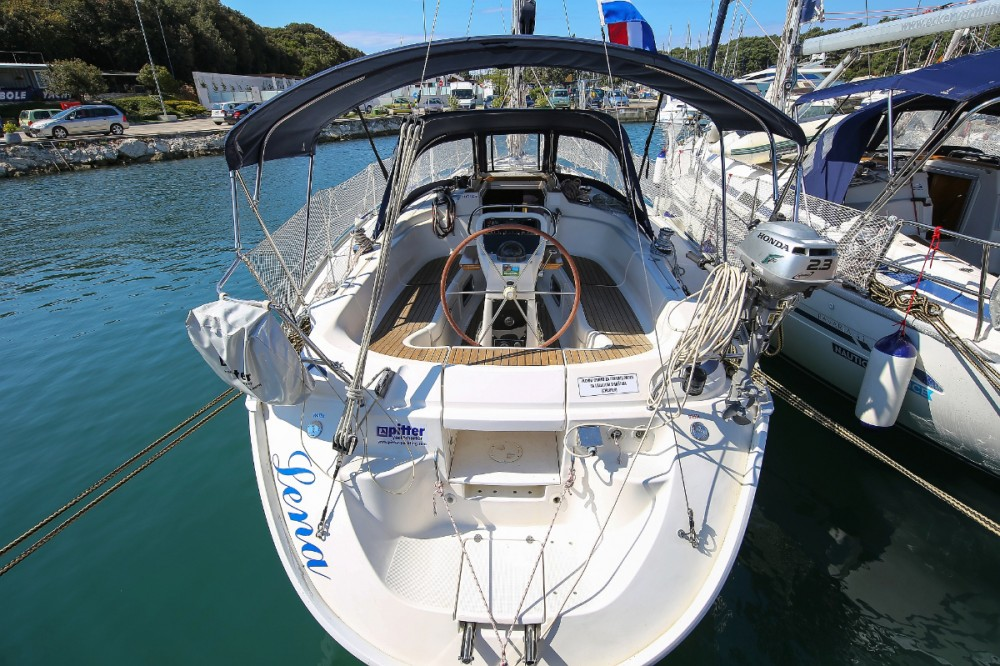 Rental yacht Grad Pula - Bavaria Bavaria 36 on SamBoat