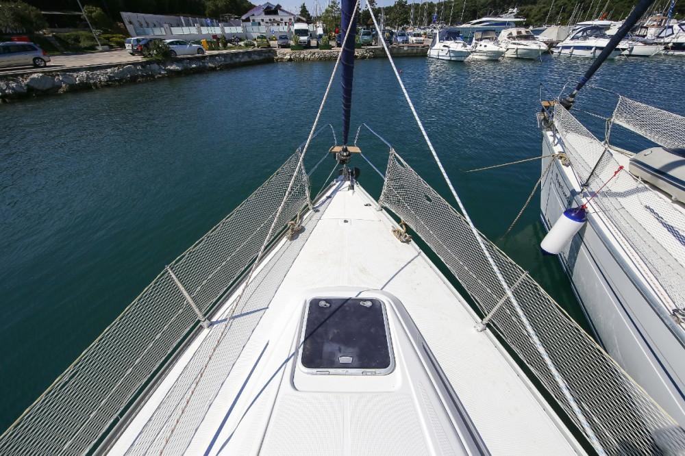 Rental Sailboat in Pula - Bavaria Bavaria 36