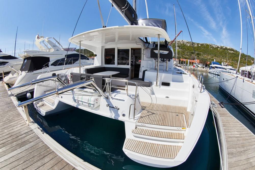 Boat rental Lagoon Lagoon 40 - 4 + 2 cab  in  on Samboat